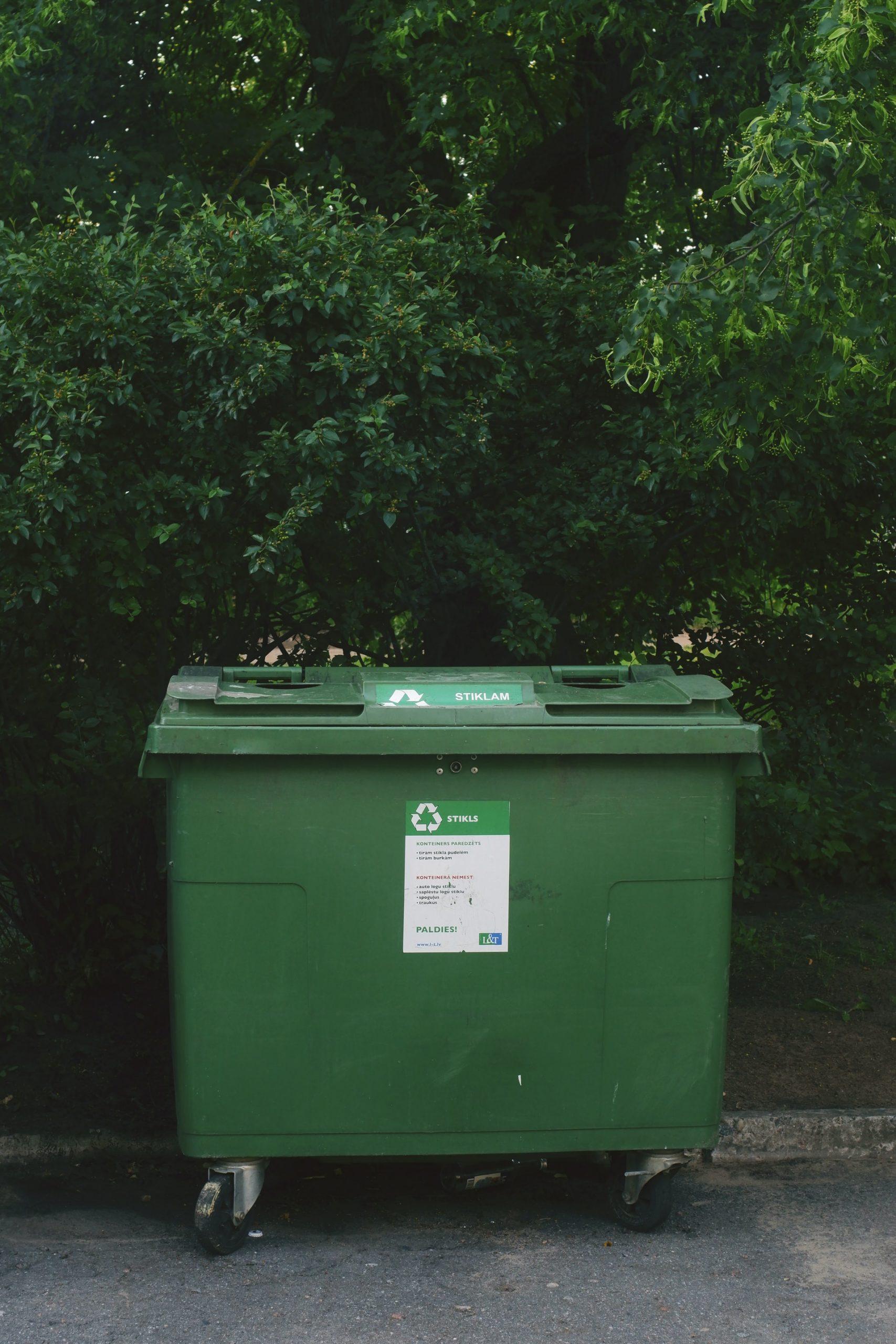 Umweltfreundliche Verpackungen, wie Papierverpackungen von Petroplast sind recyclebar
